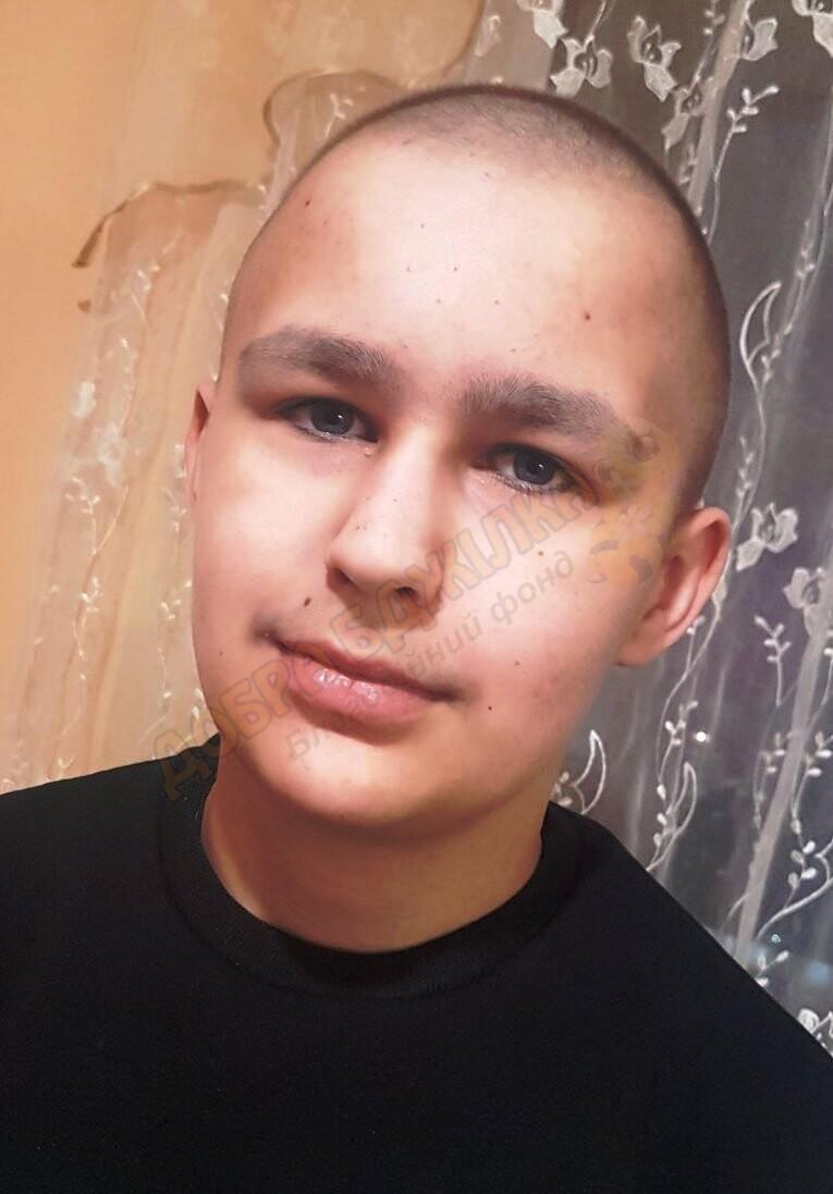 Антону потрібні кошти на операцію: допоможіть